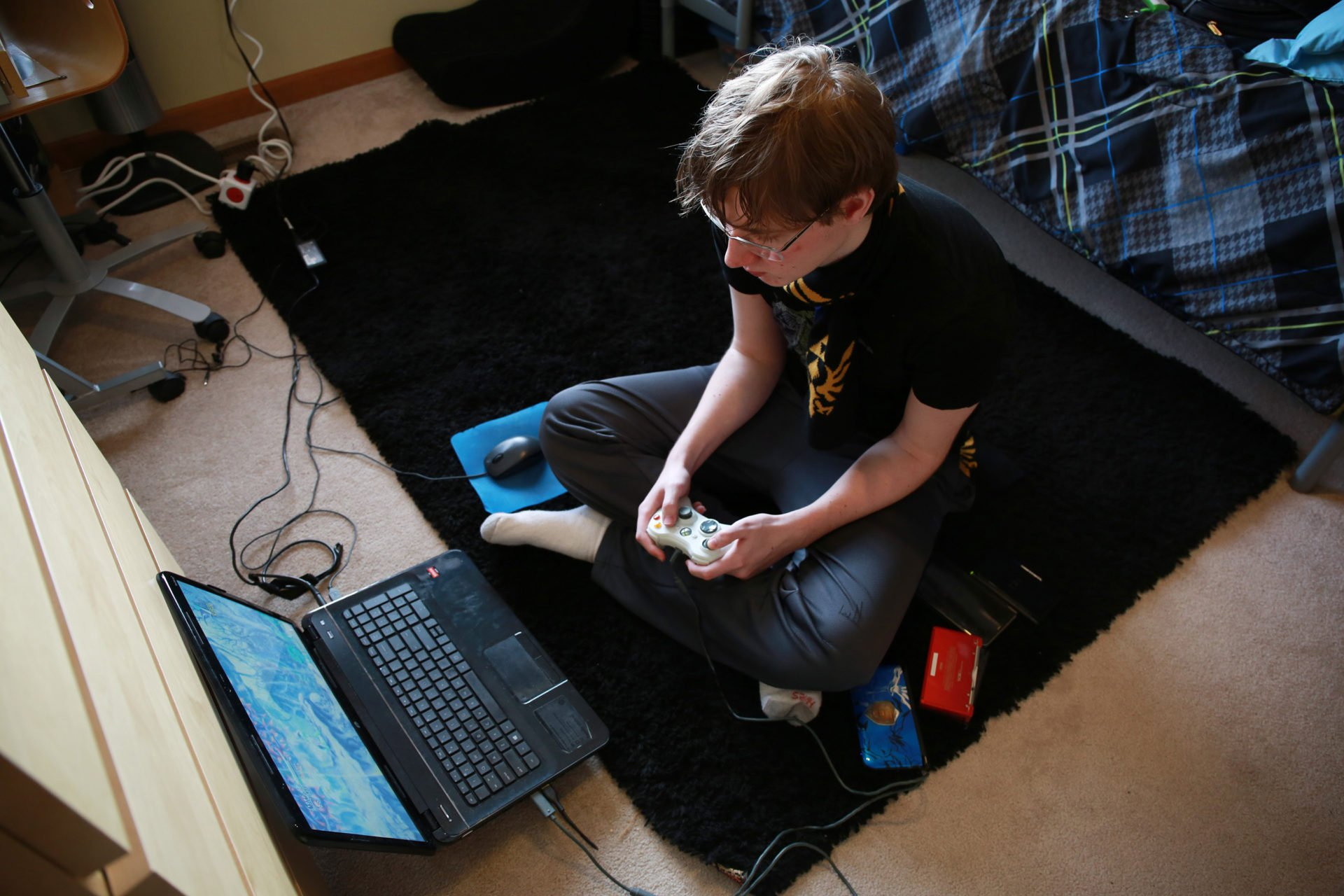 thesis game addiction A great summary of gaming addiction statistics, facts, articles, and research findings from published journal articles the video game addiction test for parents.