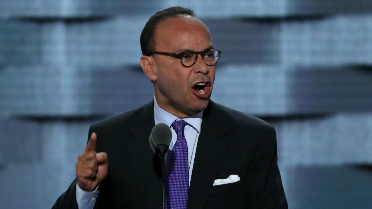 Luis Gutierrez If Trump Is Not a Racist I Dont Know Who Is