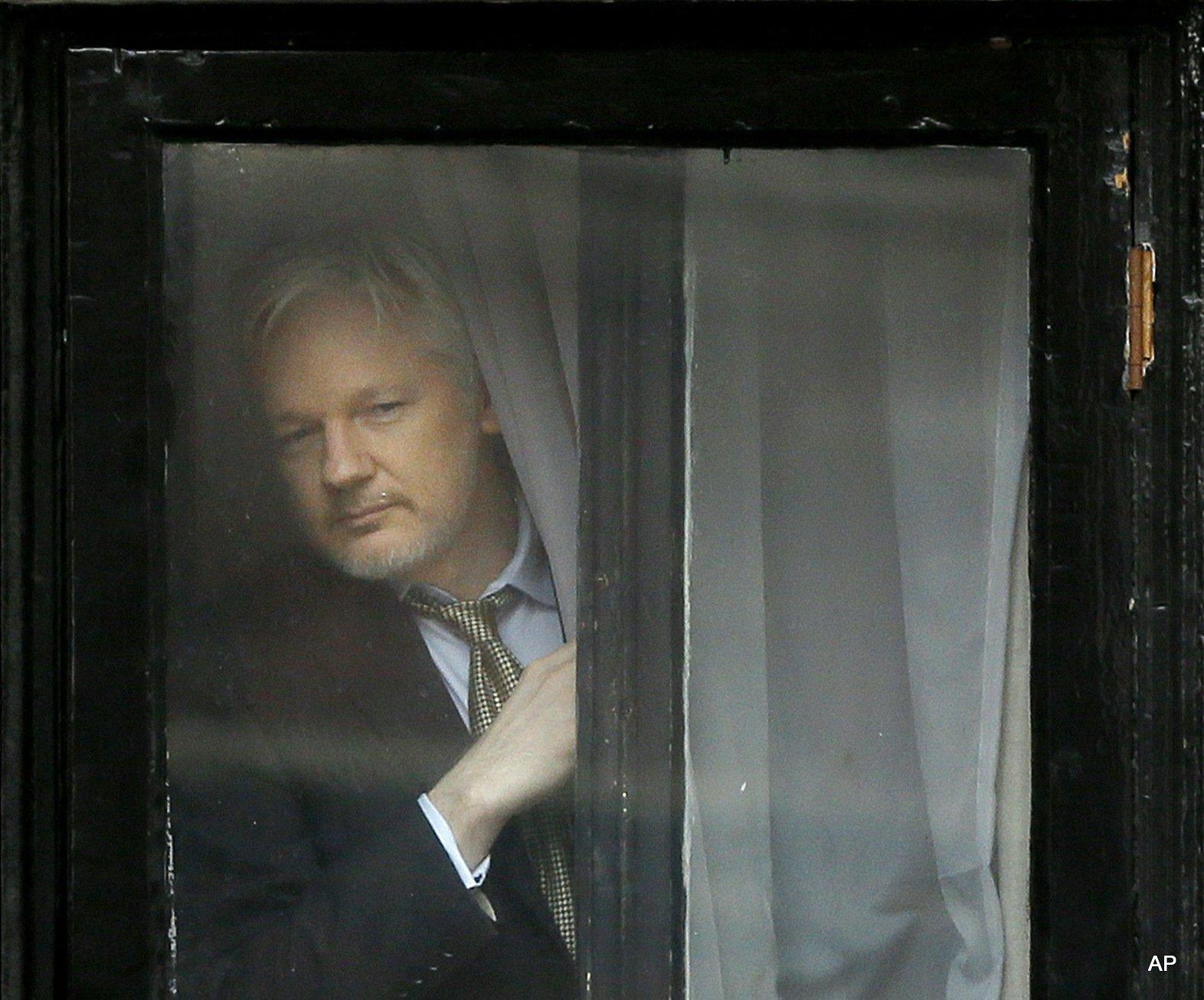 Ecuador Cuts Off Julian Assanges Internet  Again