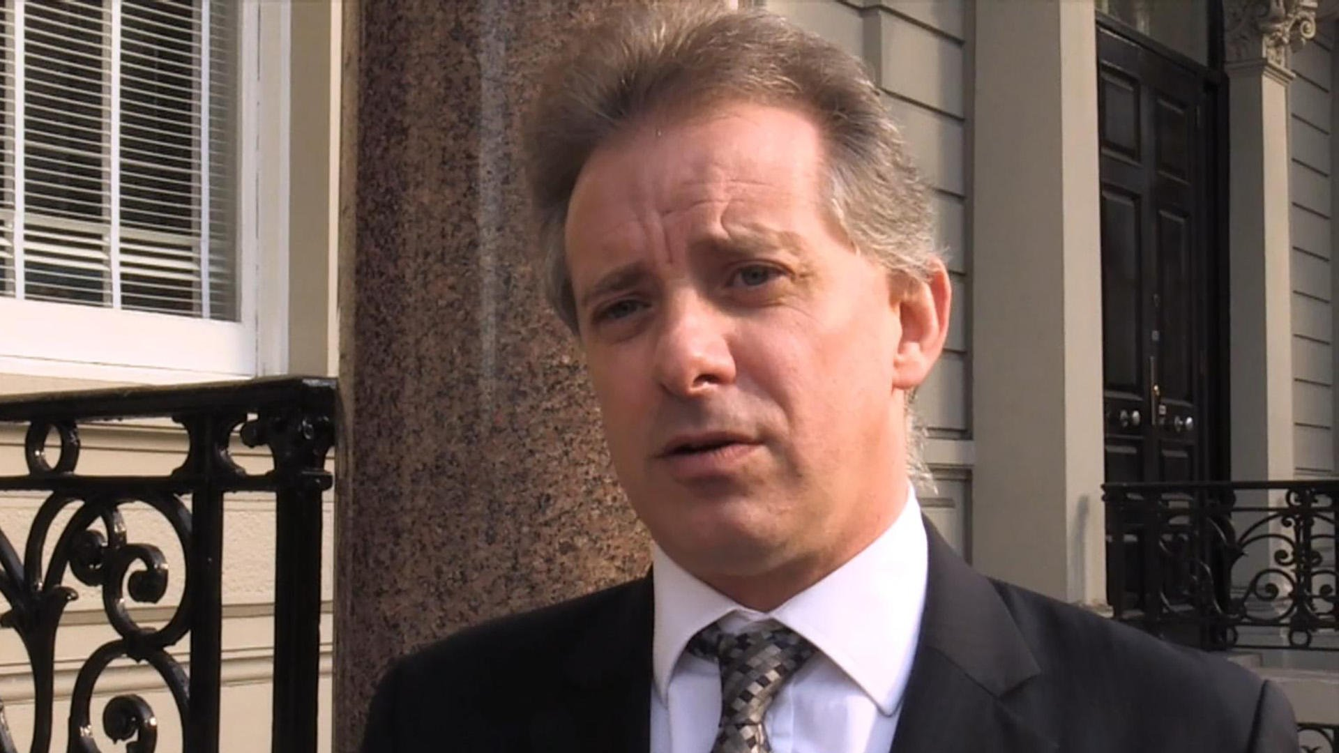 Christopher Steele must appear for dossier deposition in British court