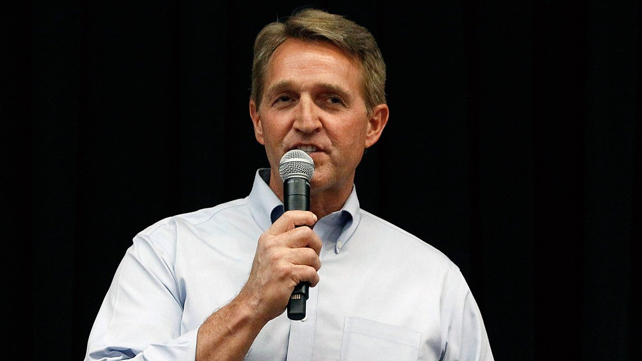 Sen Jeff Flake Says Trump Should Be Challenged By A Republican In 2020