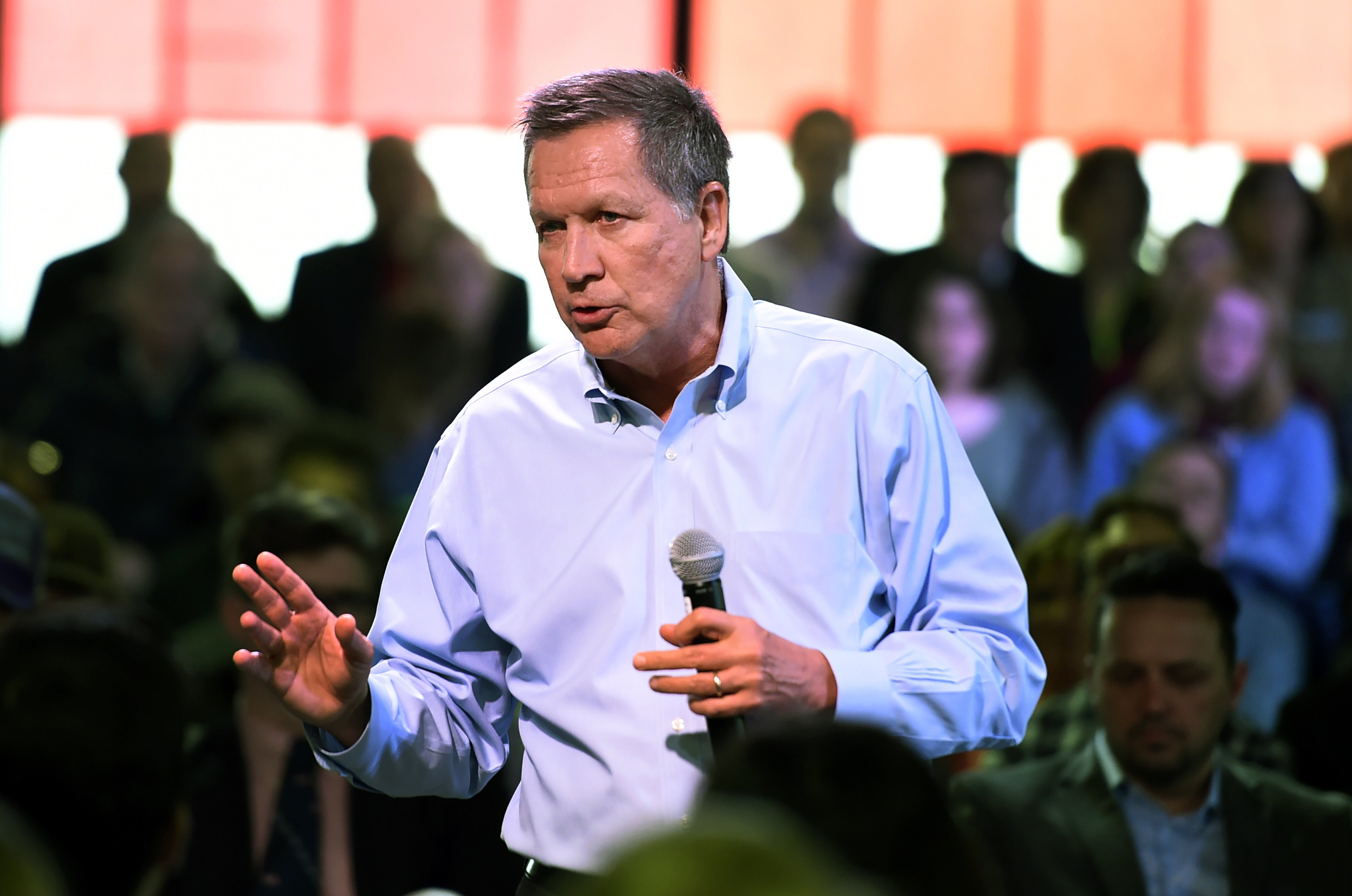 On Sunday, Republican Ohio Governor John Kasich, a man with a mixed record on guns for decades (he voted for the assault weapons ban in 1994, earning him a temporary F from the NRA, but rehabilitated himself by signing into law a significant amount of pro-gun legislation in Ohio), suggested a complete ban on AR-15s …