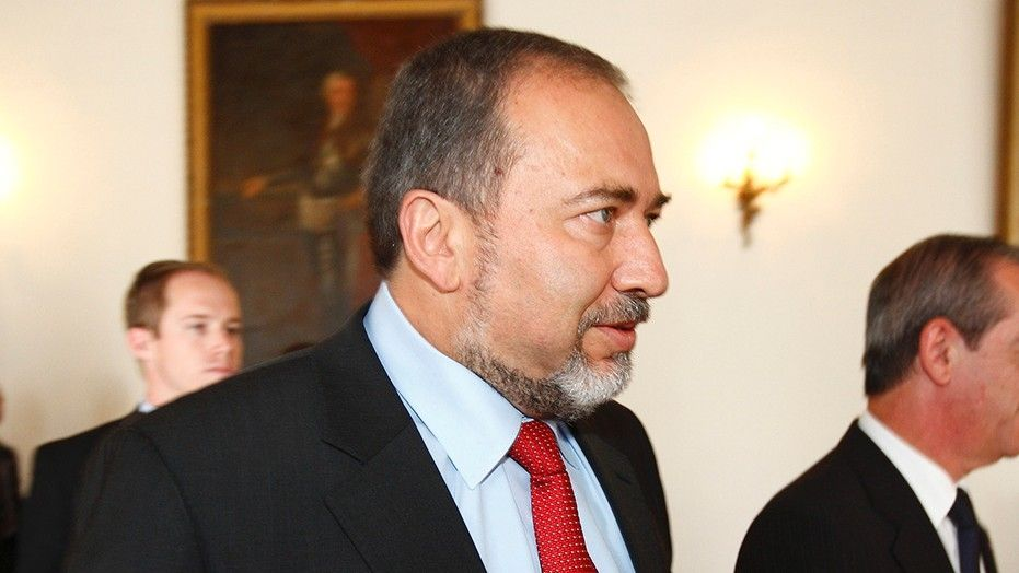 Israel's security service, the Shin Bet, revealed Sunday that it had arrested two members of Islamic Jihad terror cell (PIJ) who had been plotting to assassinate Israel's Defense Minister Avigdor Liberman. According to the Shin Bet investigation, the cell operatives haddeviseda plan to plant an explosive device on a West Bank road where Liberman was …