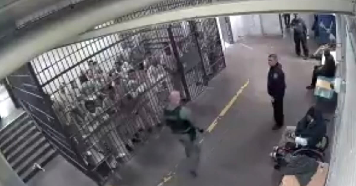 Five inmates could face stiffer sentences for applauding an alleged cop killer after video of their performance was forwarded to the sheriff's office, The Associated Press reported. Shomari Legghette, 44, stands accused of killing Chicago Police Cmdr. Paul Bauer, according to WITW-TV. Police say he killed the officer Feb. 12 near the city's Thompson Center after a foot …