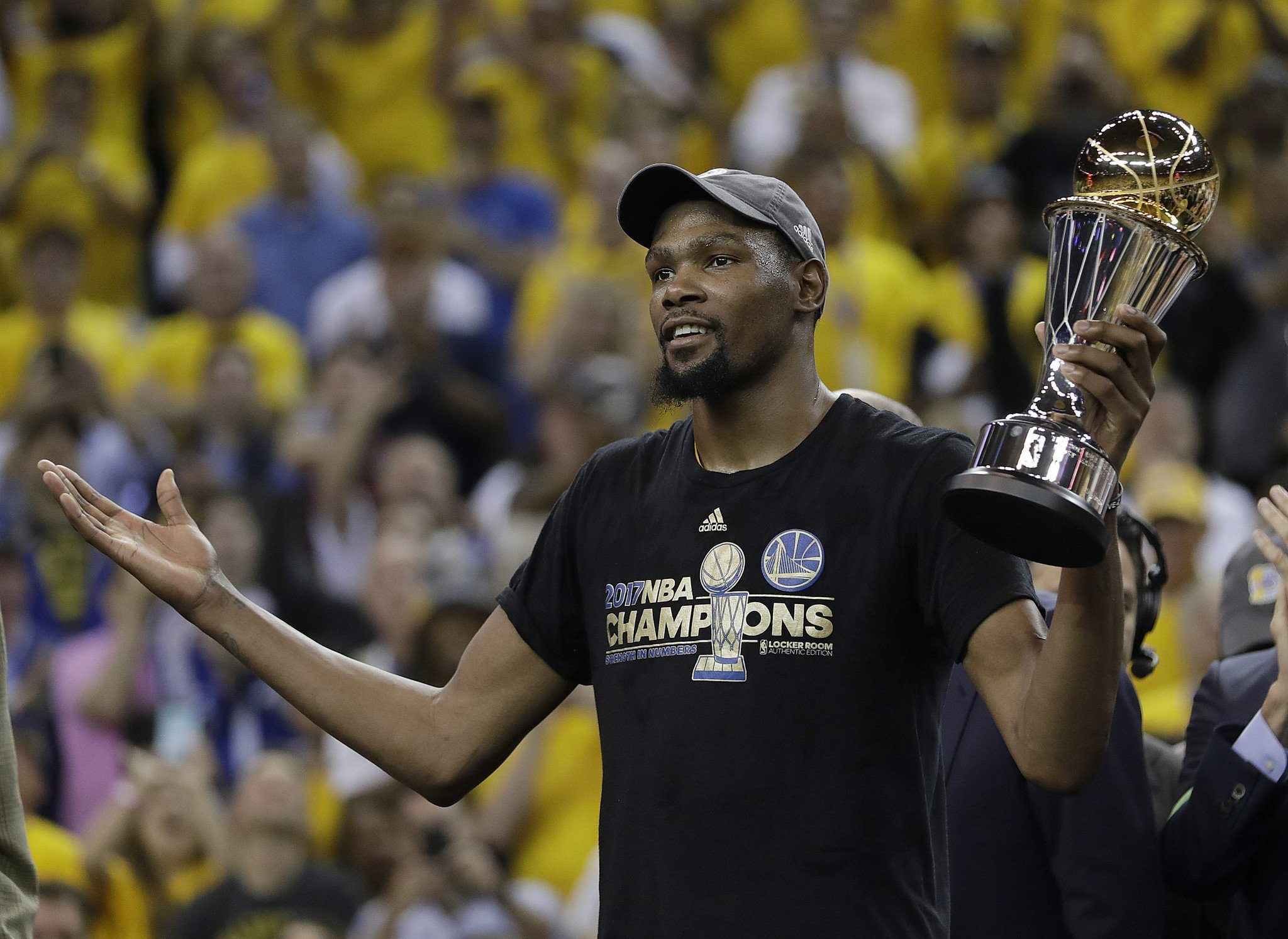 """Golden State Warriors forward Kevin Durant called Fox News Host Laura Ingraham a racist, for telling NBA star LeBron James to """"shut up and dribble."""" """"It's just sad to see people who think that way. It's weird. It's not even a place where we should be as humans,""""Durant saidaccording to USA Today. """"To me, it …"""