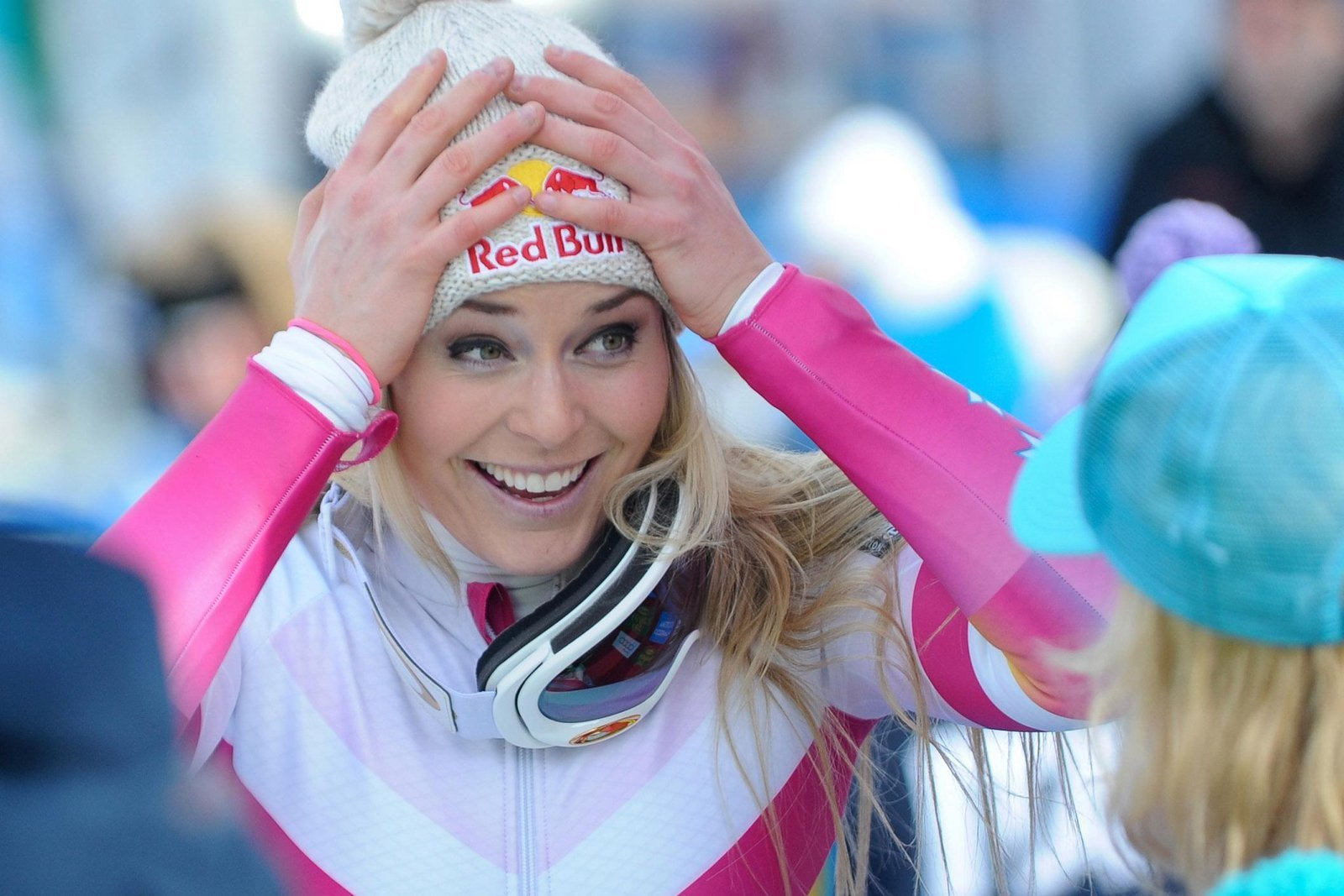 """Lindsey Vonnmadeheadlines months ago, when she said that she would not travel to the White House to celebrate her victories after the Winter Olympics. Now that Vonn has suffered a major setback by failing to medal in the Super-G, the internet is not letting the skier forget her past statements. """"I hope torepresentthe people of …"""