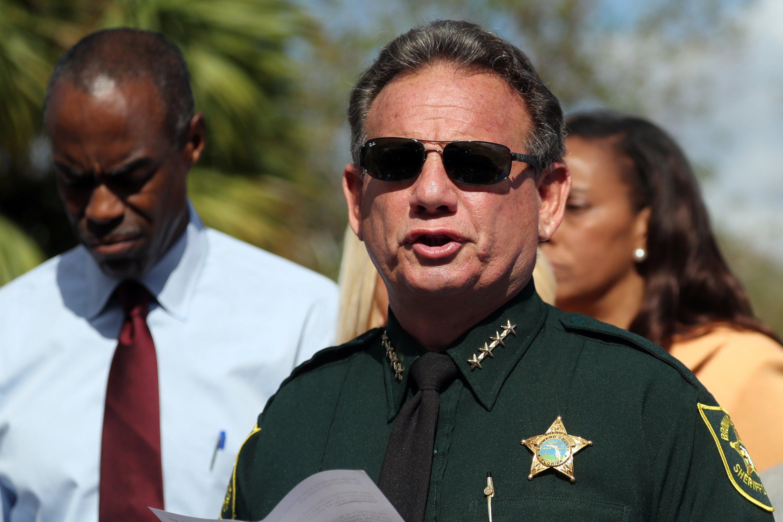 OJ Simpson Detective Rips Broward Sheriff School Resource Officer