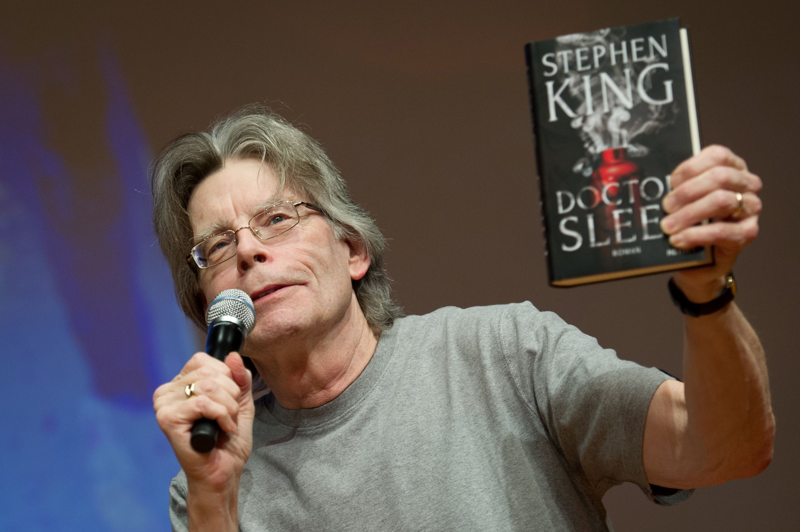 Prolific author Stephen King has built a legendary writing career off of his unique ability to craft a fictional world, but sometimes fictional ideas should be kept to one's self, especially if the idea is a gun named the MS-13. On Wednesday, a response King made to political commentator Rick Wilson made it abundantly clear …