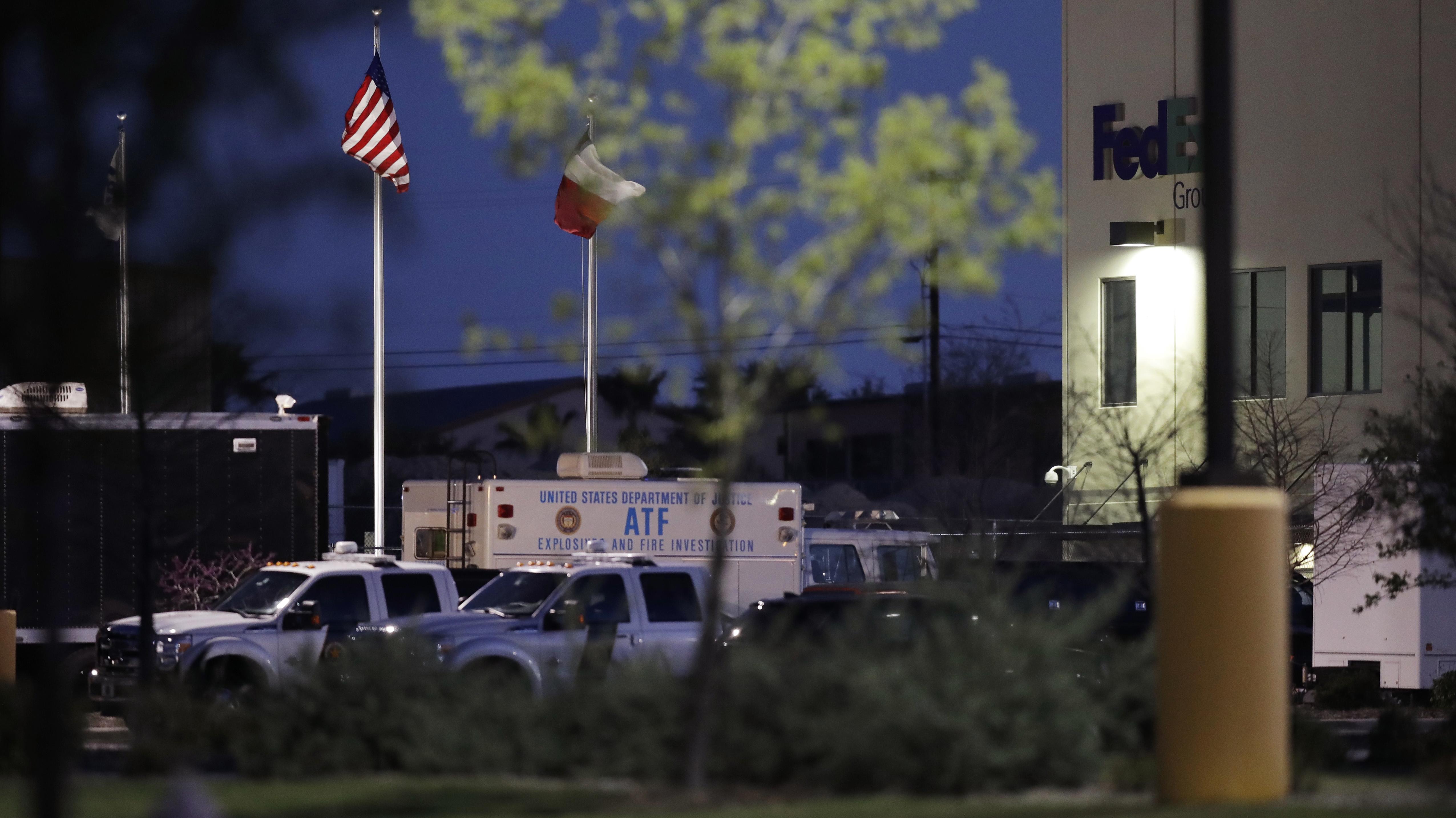 Austin bomber kills himself with explosive device