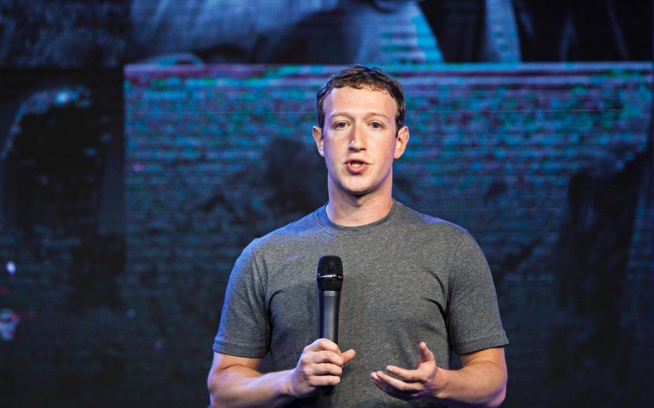 WATCH Senators From Both Parties Attack Facebook Over Creepy Data Breach