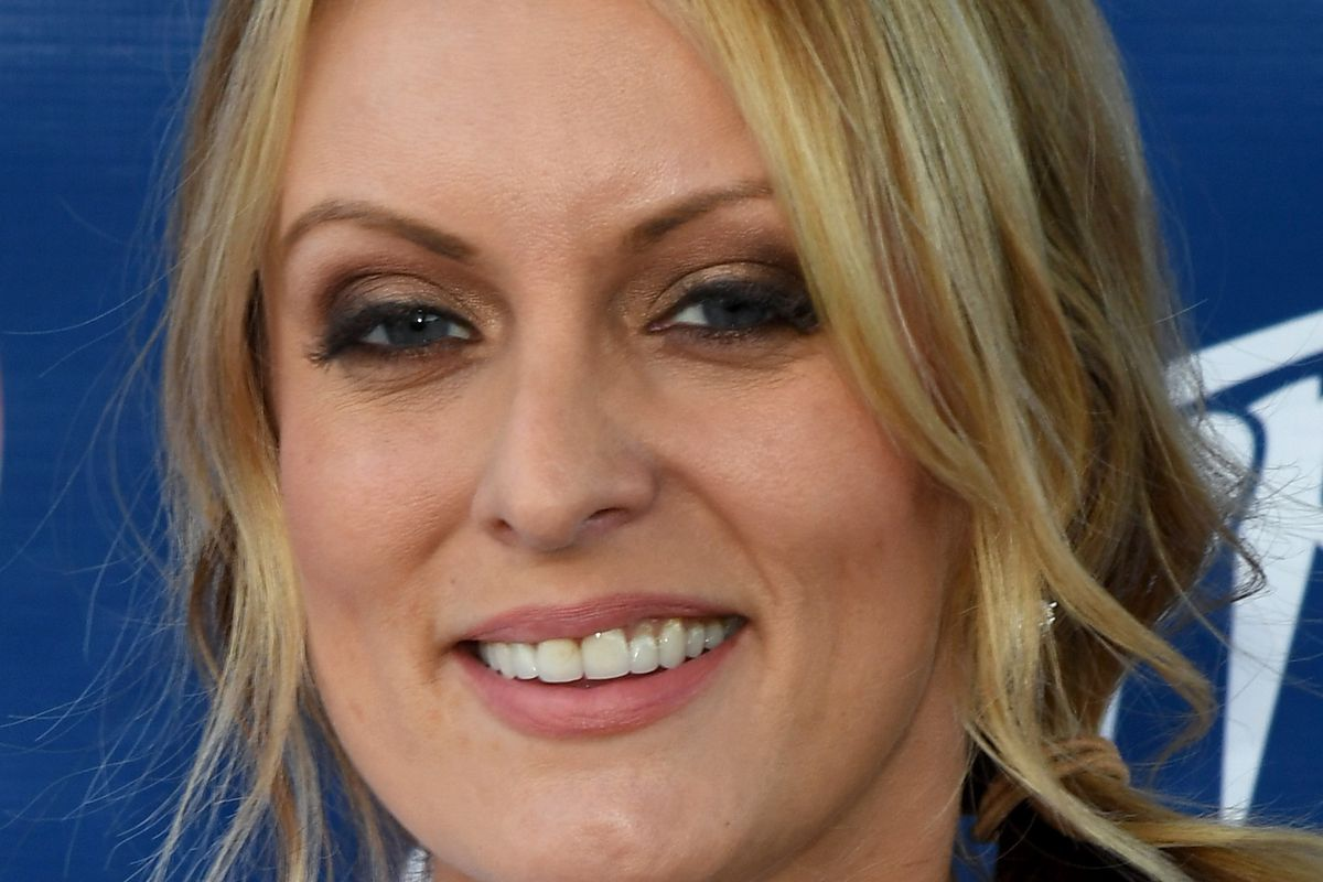 ATTORNEY Stormy Daniels Had Dilated Pupils On 60 Minutes Because Of Benadryl