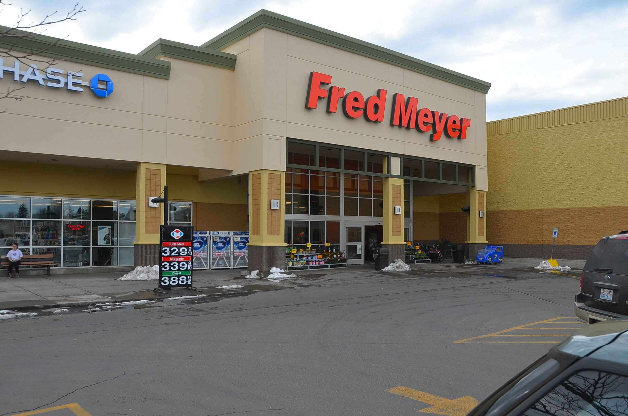 Superstore chain Fred Meyer to stop selling guns ammunition