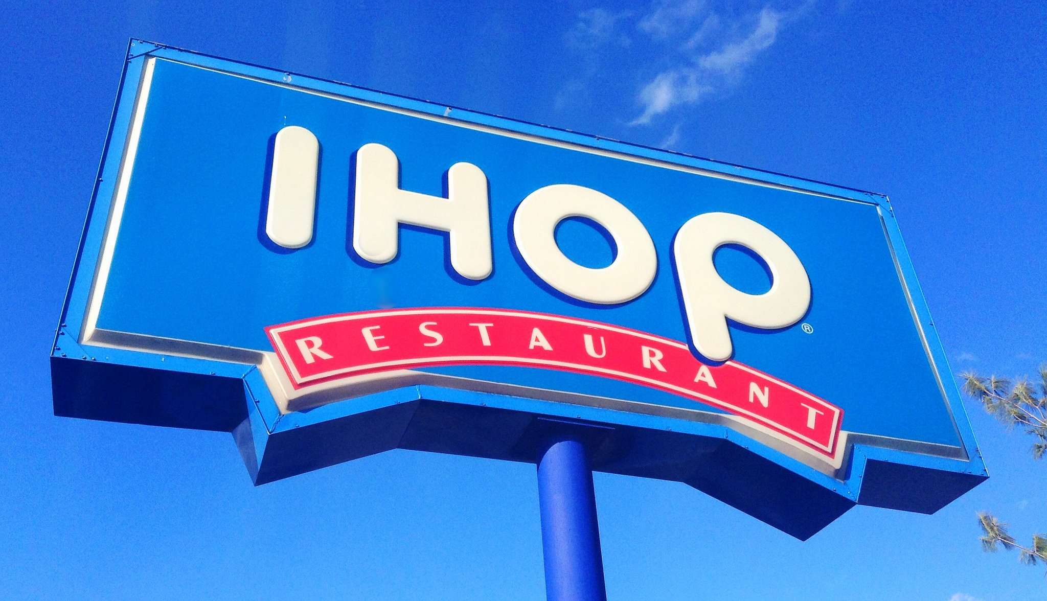 IHOP in Maine apologizes after server makes black teens pay upfront for meal