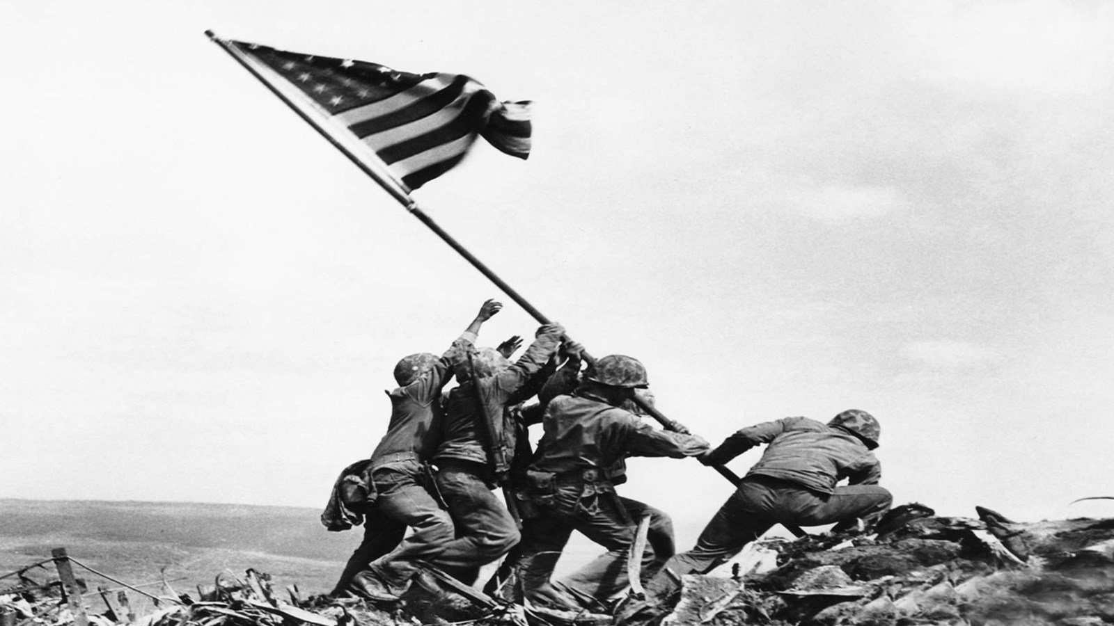 VIDEO Last Living Iwo Jima Medal of Honor Recipient Paid a Touching Tribute to a Marine Who Saved His Life