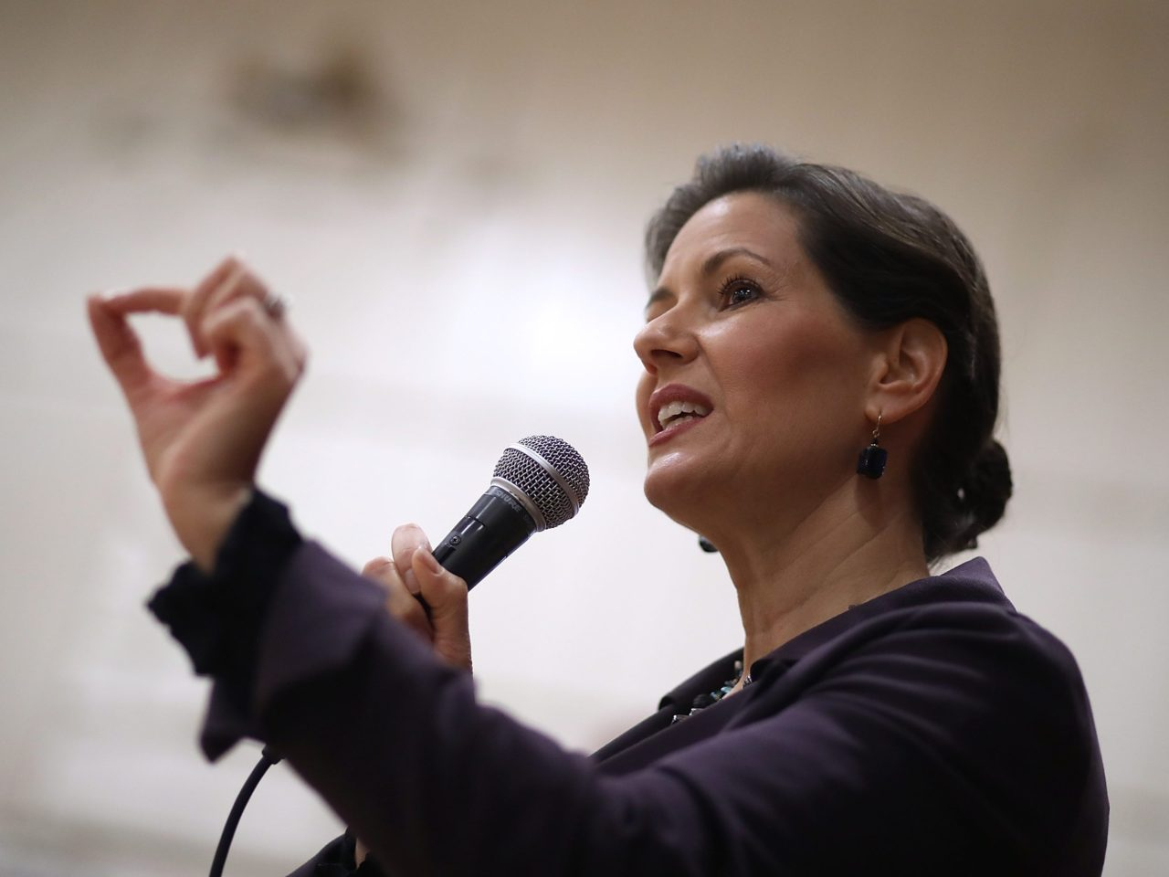 "Oakland Mayor Libby Schaaf received over 1,000 ""angry calls"" in protest against her decision last weekend to warn illegal aliens of an impending raid by federal Immigration and Customs Enforcement (ICE) officials. Schaaf — who told the Washington Post, ""I definitely consider myself part of the resistance"" — angered ICE officials, who made 232 arrests over several days but said …"