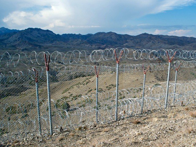 Pakistan Is Building a Wall to Keep Out Terrorists Simplest Solution in the History of the World