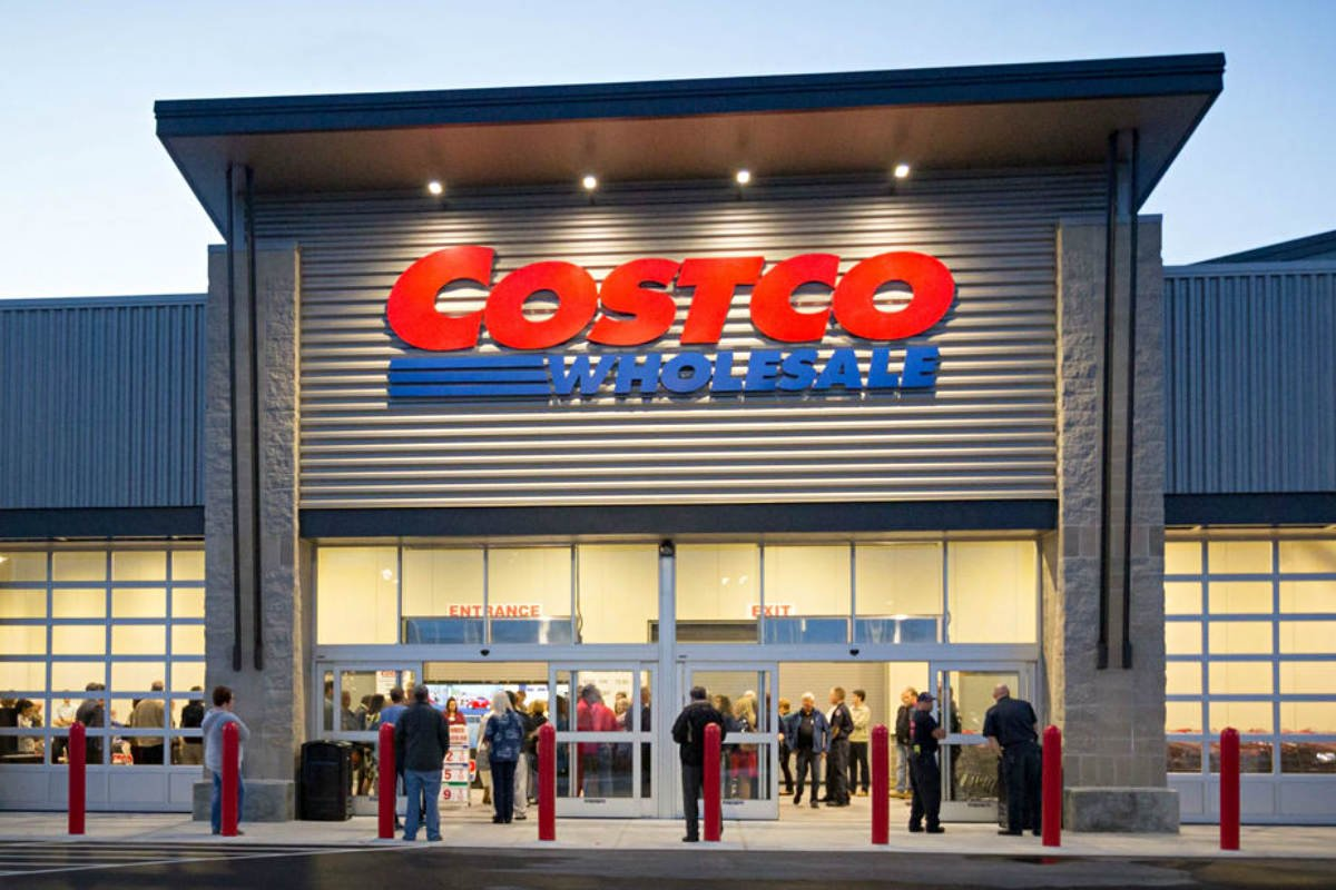 Costco offering Military Hour with freebies for vets activeduty military