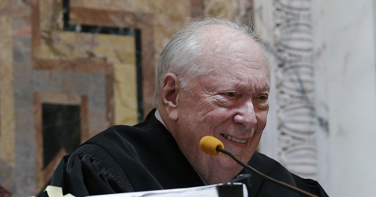 Judge Stephen Reinhardt liberal lion of the 9th Circuit Court of Appeals dies at 87