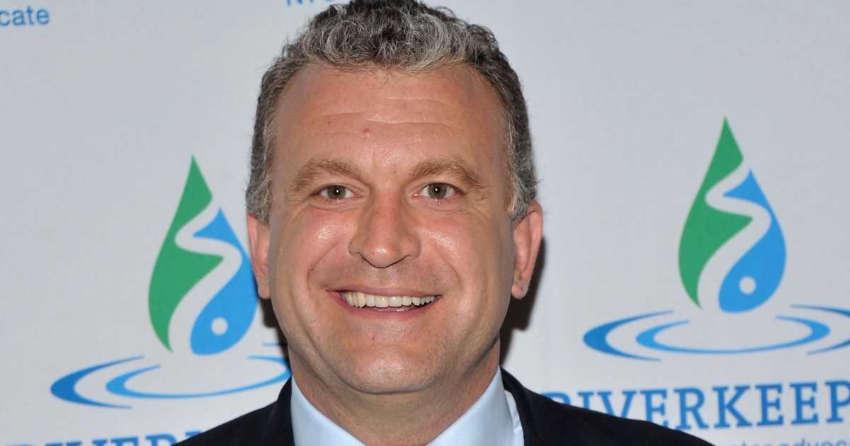Dylan Ratigan, former cable news host, announced on February 21 that he will be seeking to unseat Rep. Elise Stefanik (R-NY) in the 2018 mid-term elections. Upon his announcement, Ratigan admitted in a tweet that he had never voted before: I'm running for Congress, but I've never voted in my life. I always thought the …