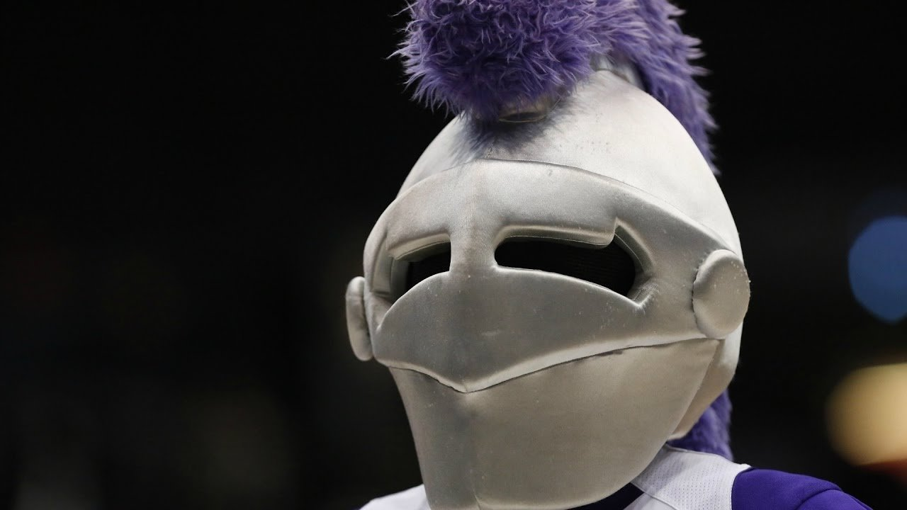 College drops knight mascot over ties to the Crusades