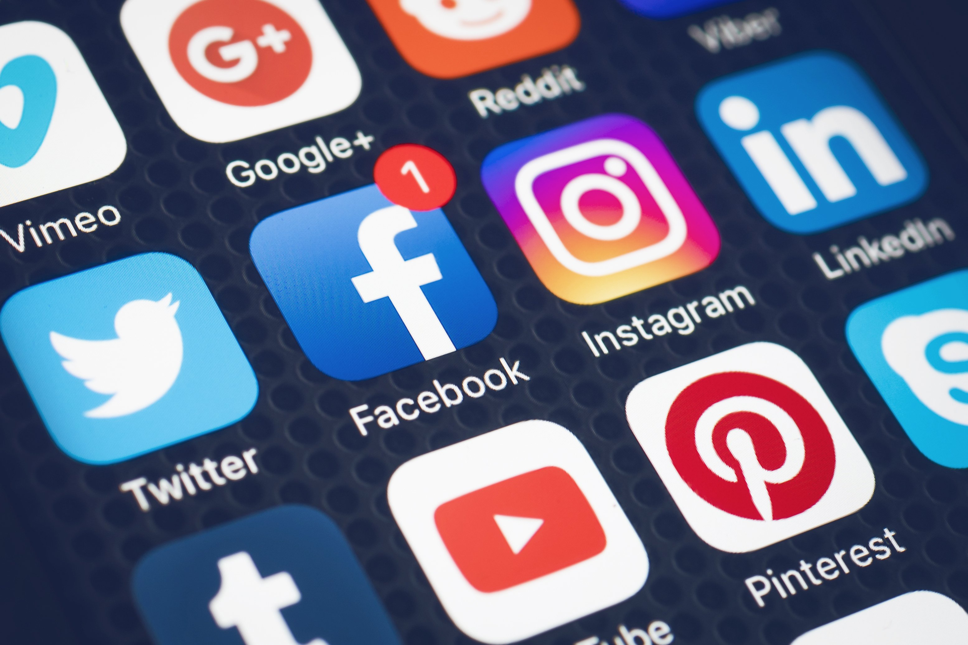 US to require wouldbe immigrants to submit social media history
